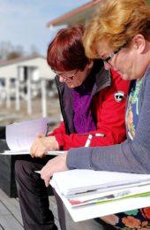 Kokemusasiantuntijat kouluttautuvat eläkevalmentajiksi