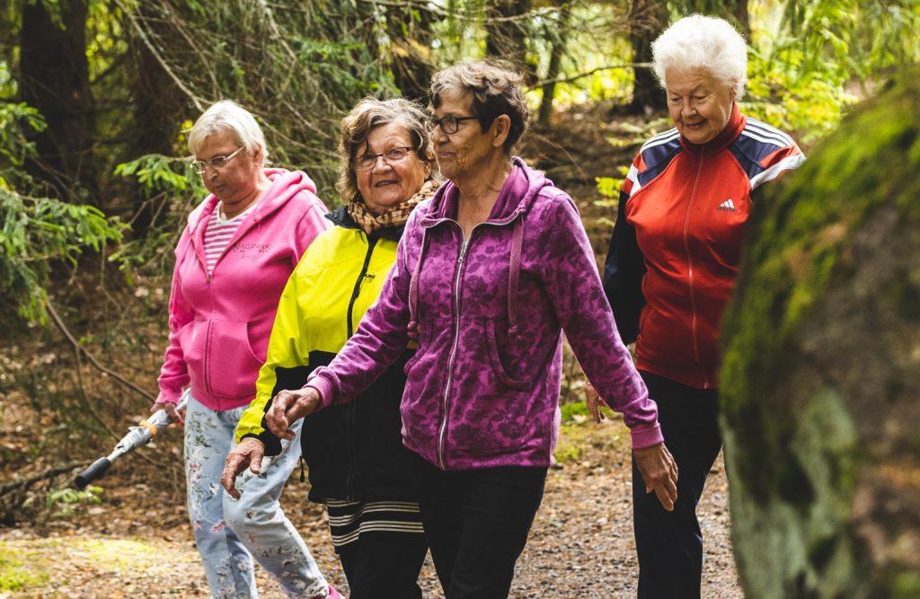 Ikiliikkuja innostaa ikäihmiset liikkeelle