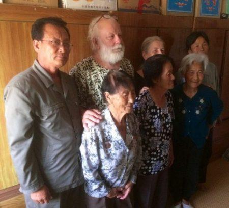 Vanhainkotivierailulla Pohjois-Koreassa. Kuva: Dorothea Maetzel