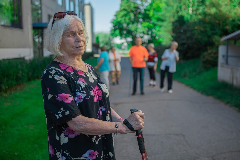 Innostetaan naapuritkin mukaan kävelylle. Kuva: Malin Gustafsson