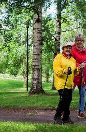 Auta iäkäs ulos